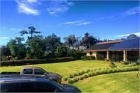 Impressive Estate House with Indoor Swimming Pool – Impresionante Casa con Piscina Cubierta.